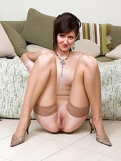 Pussy nylon galeries